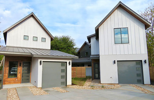 The 305 Tillery Square Custom Home with Guest House is <b>Available</b> and is an exciting new modern home with 2 Bedrooms, 2.5 Bathrooms, and a 1-Car Garage. This home comes WITH a 1BR/1BA Guest House.